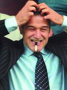 Gigi Becali, imagine preluată de pe site-ul www.agenda.ro